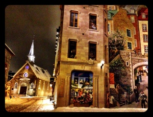 Notre-Dame-des-Victoires Church with side view of mural