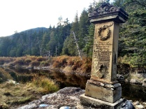 Mount Marshall: Henderson Monument